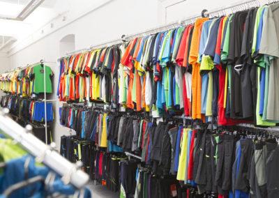 Sportbekleidung und Laufshirts bei Laufsport Blutsch