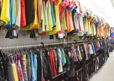 Sportshirts und Sportshorts Damen Sportbekleidung